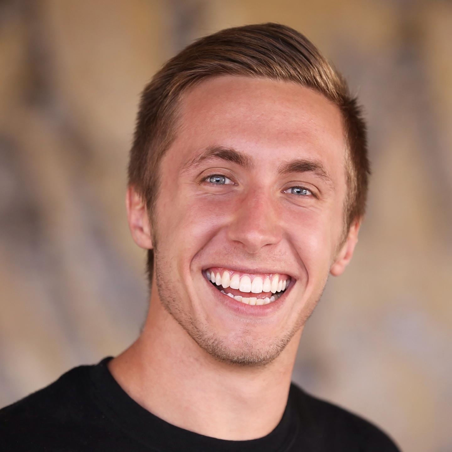 143: Creating A Kickass Online Training Course, with Chandler Bolt