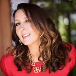 Shaa Wasmund joins Michael O'Neal of The Solopreneur Hour to talk opportunity, boxing matches and the joy of content creation in the solopreneur world.